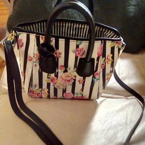 medium size betsey johnson bag rose & striped